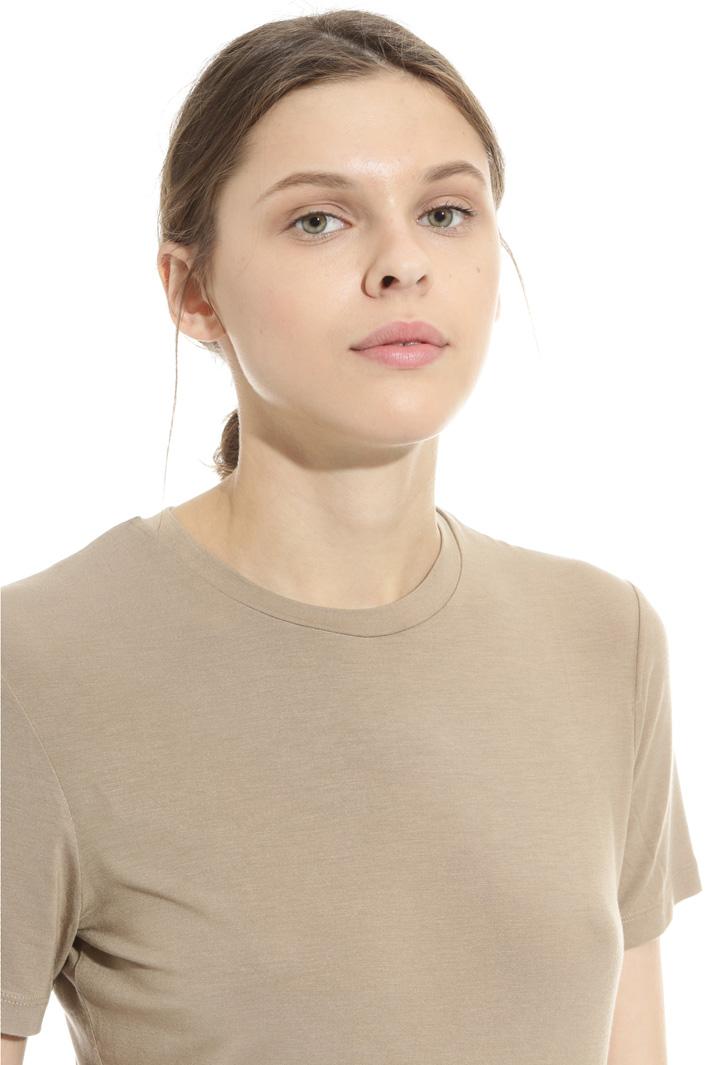 Viscose crepe neck T-shirt Intrend