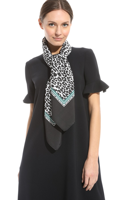 Foulard a stampa animalier Intrend