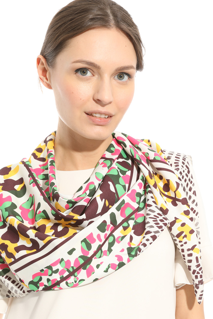 Crepe fabric stole Intrend