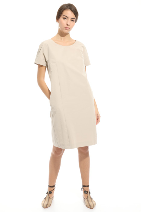Back V-neck dress Intrend