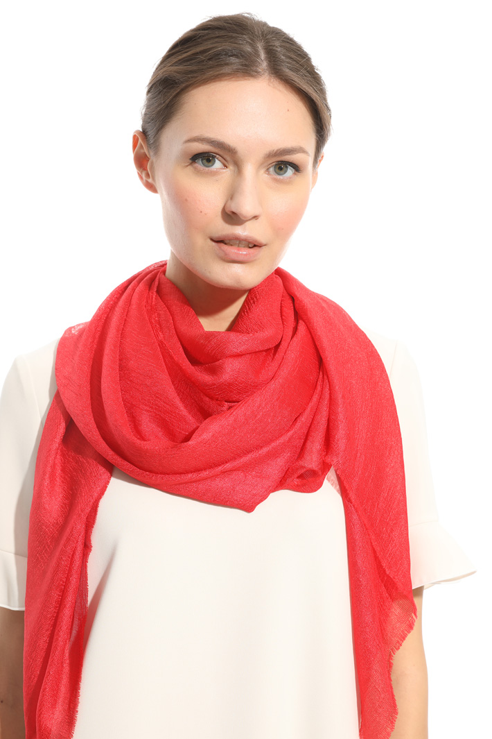 Glossy-effect scarf Diffusione Tessile