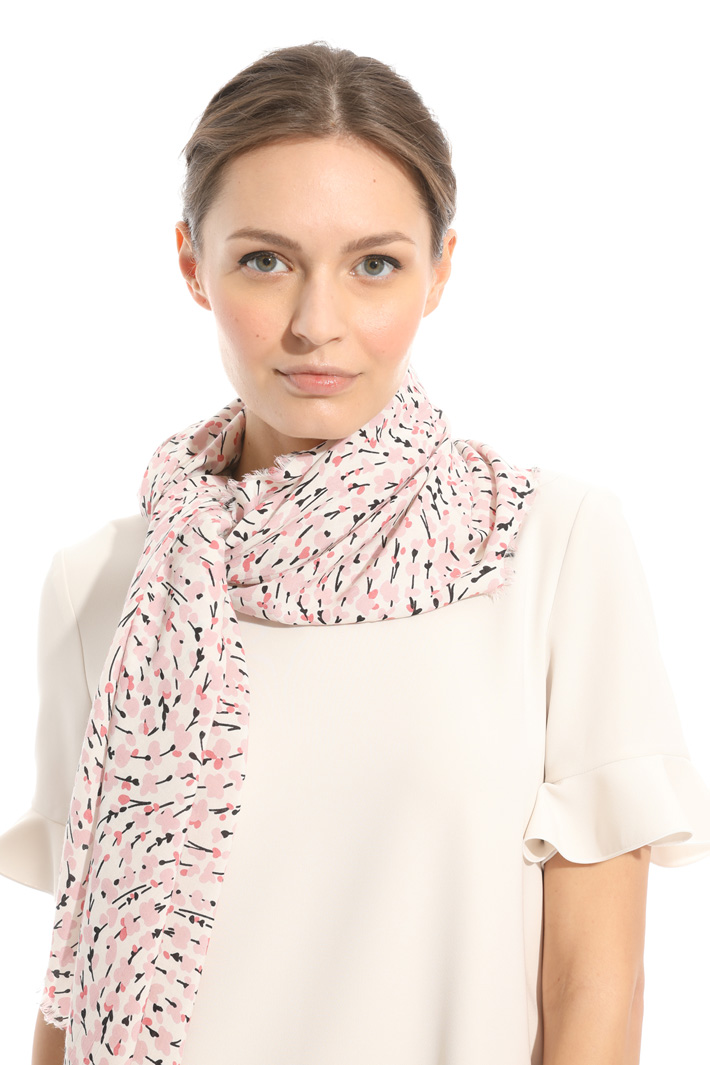 Floral viscose scarf Intrend