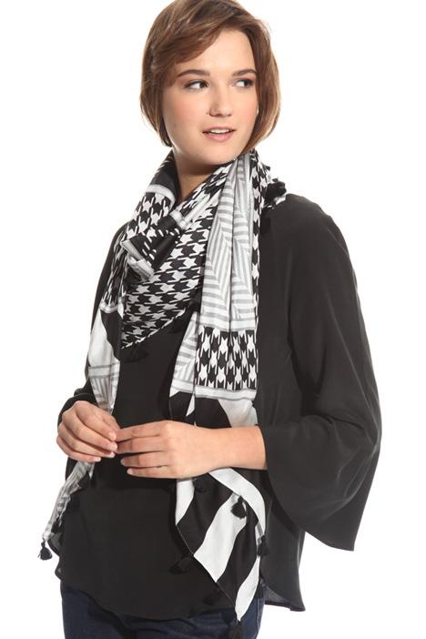 Foulard in seta con nappe Diffusione Tessile