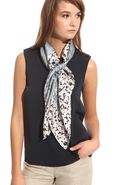 Foulard in printed silk Intrend