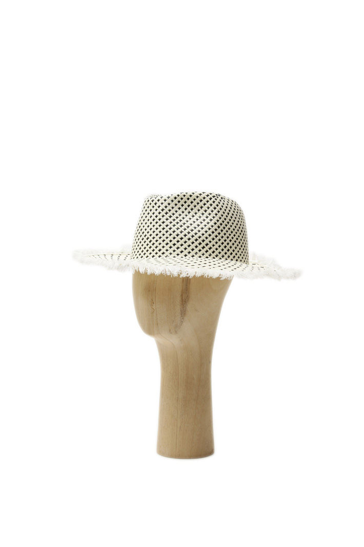 Two-Tone woven hat Intrend