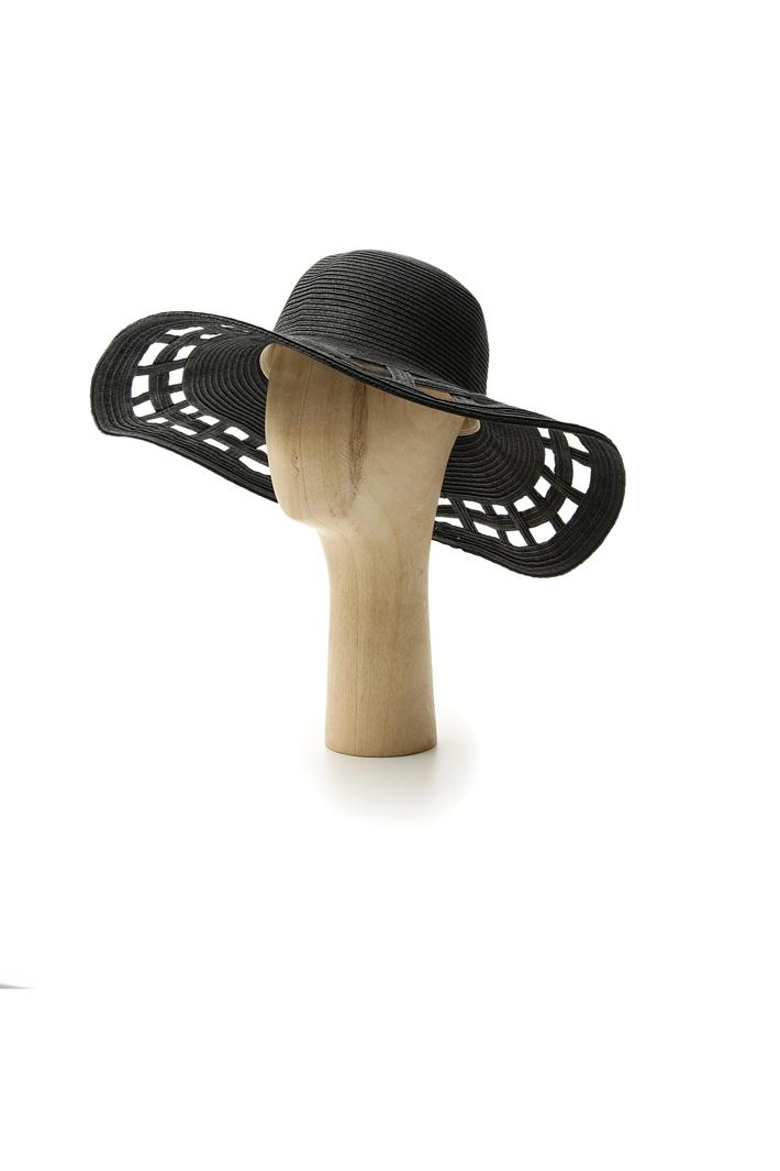 Perforated brim hat Intrend