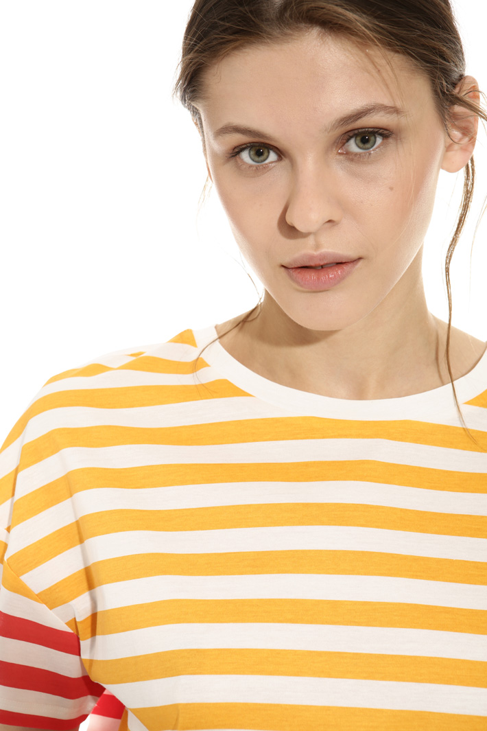 T-shirt in cotone stampato Intrend
