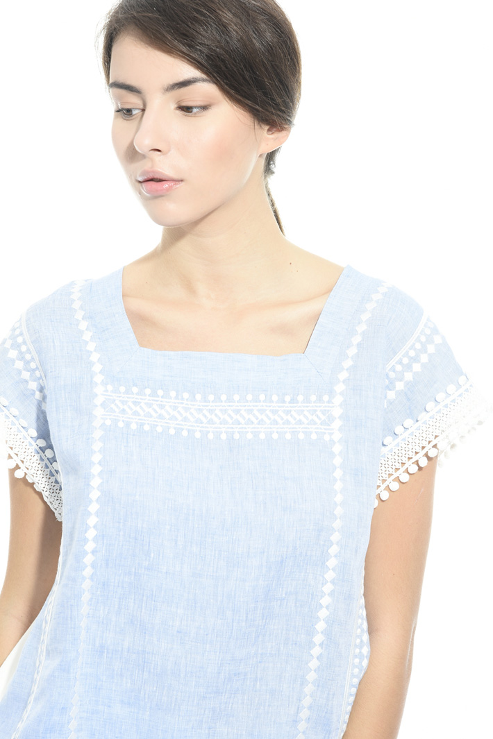 Embroidered linen jersey top Intrend