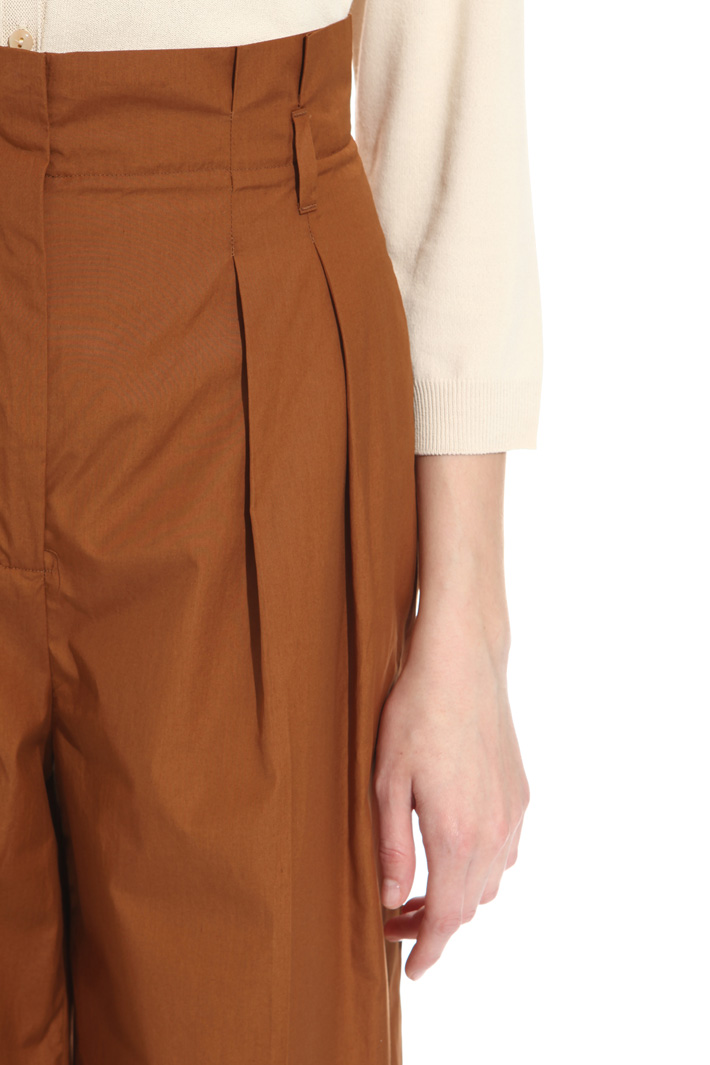 Pantalone cropped in cotone Intrend