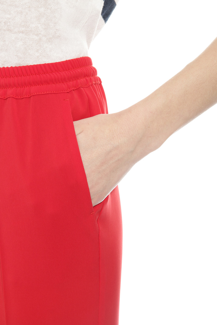 Fluid jogging-style trousers Intrend