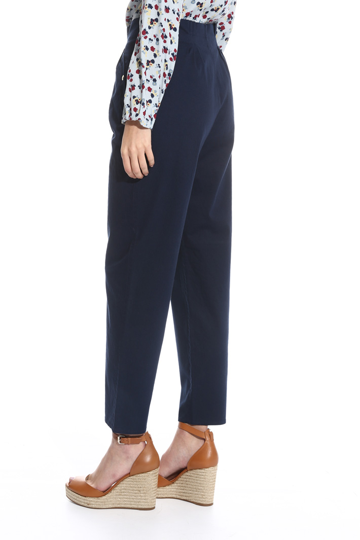 High-waisted trousers Intrend