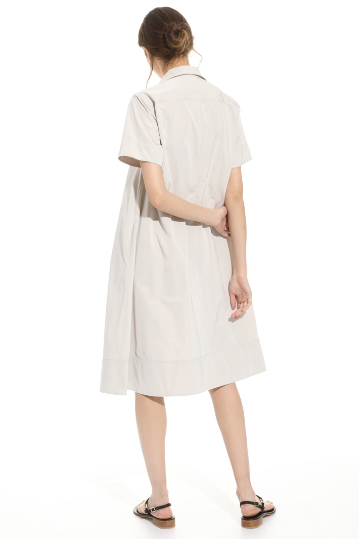 Oversized taffeta dress Intrend