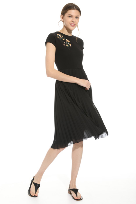 Embroidered pleated dress Diffusione Tessile