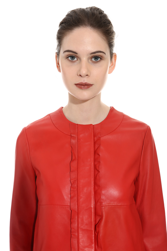 Frilled leather jacket Intrend