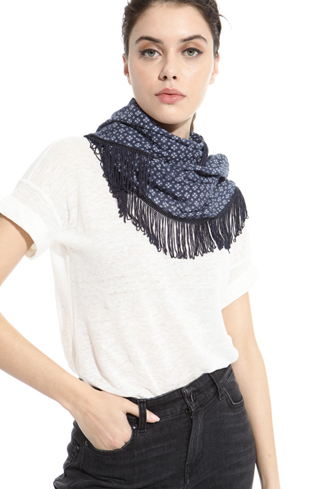 Fringed yarn-dyed foulard Intrend