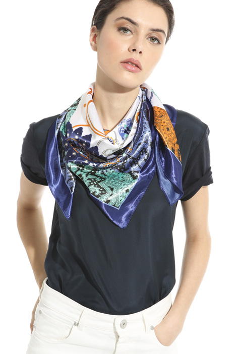 Foulard in viscosa stampata Intrend
