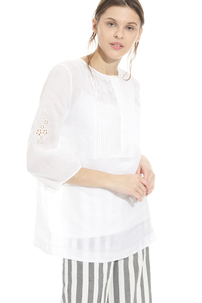 Perforated detail tunic Intrend