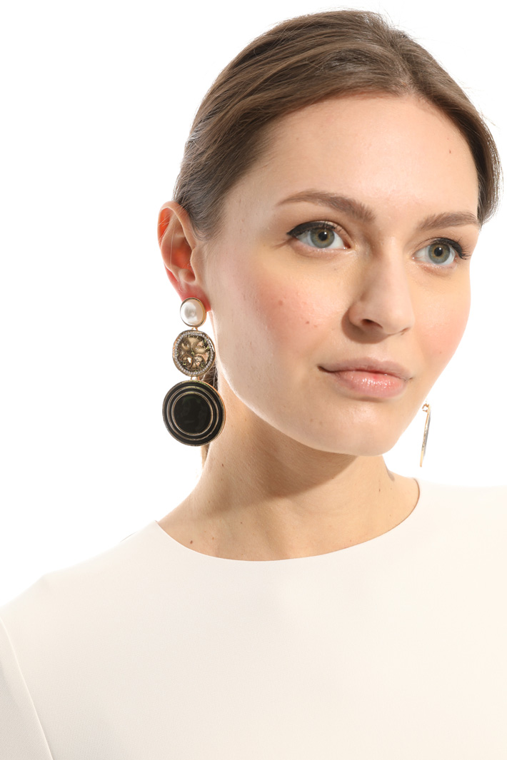 Metal disc earrings Intrend