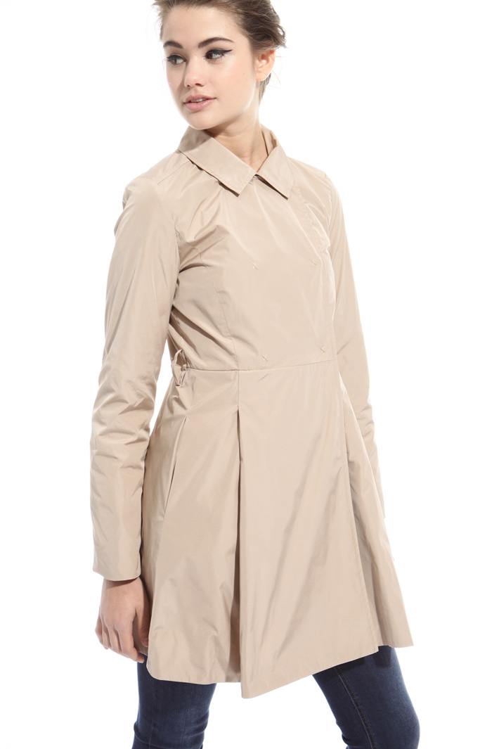 Pleated rain coat Intrend
