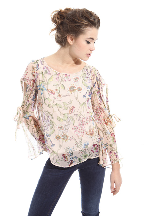 Cut-out blouse Intrend