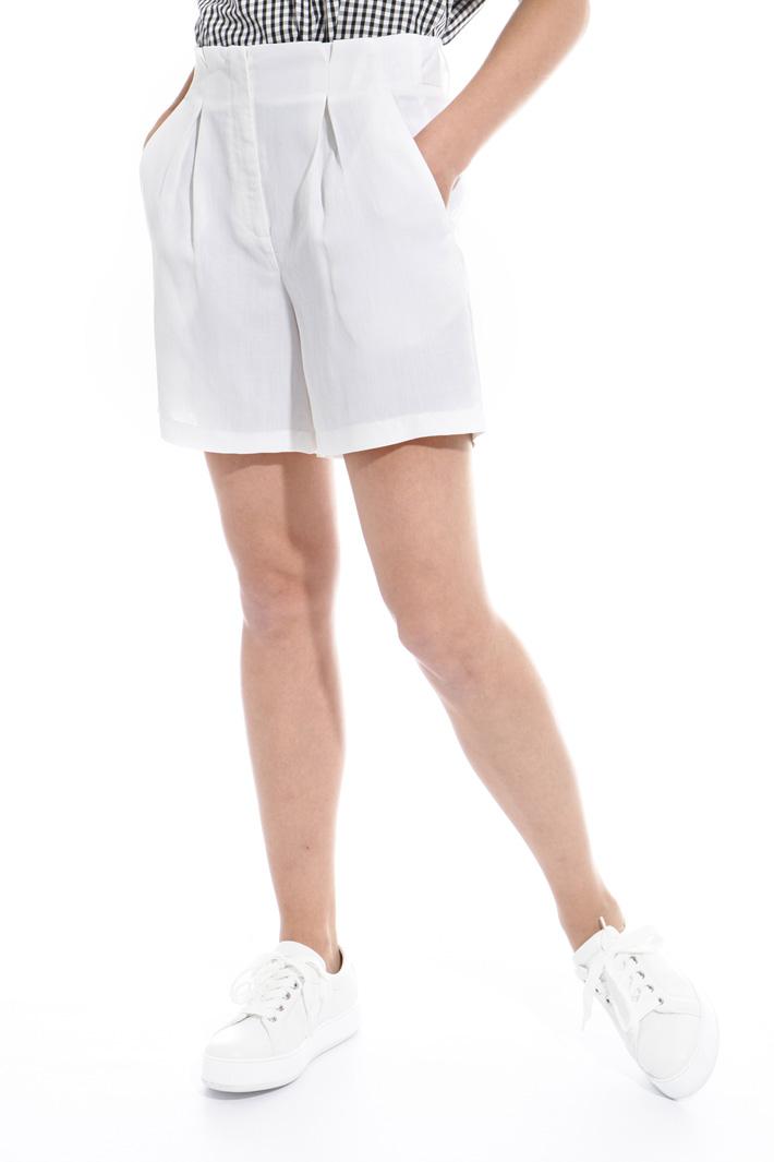Pantalone corto in ramié Intrend