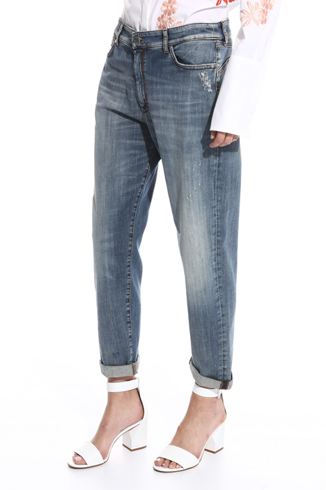 Low waist boyfriend jeans Intrend