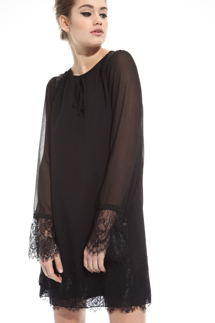 Georgette and lace dress Intrend