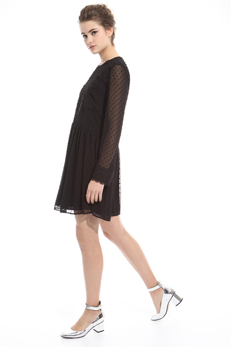 Dress with macramé cuffs Intrend