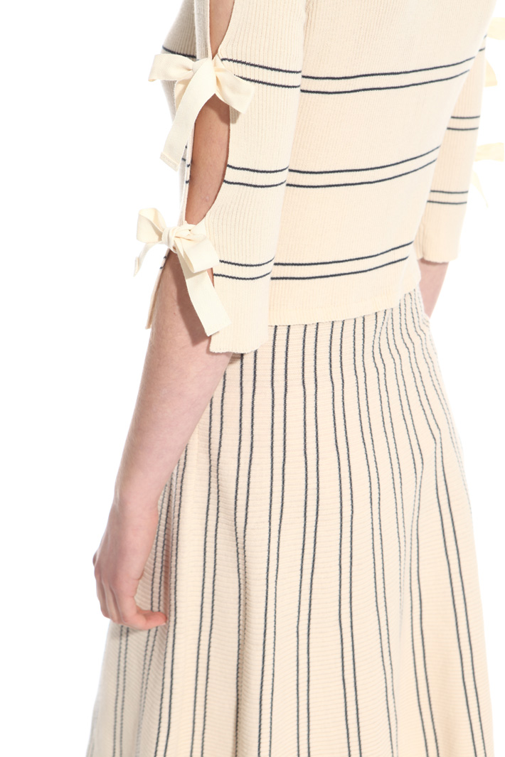 Ribbed knitted dress Intrend