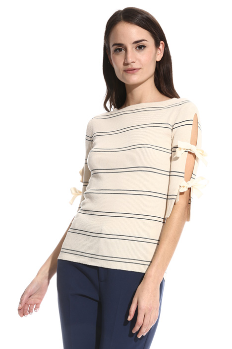 Ribbed knit with cut-outs  Intrend