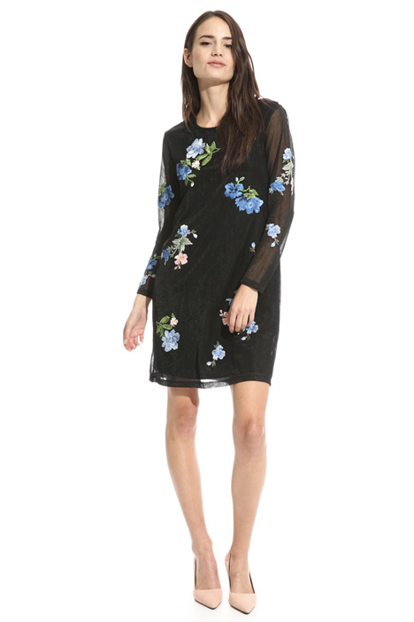 Patch embroidered dress Intrend