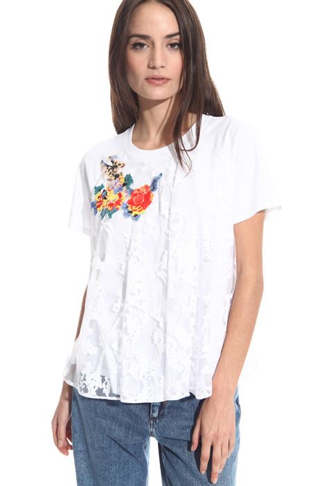 T-shirt con ricamo Intrend