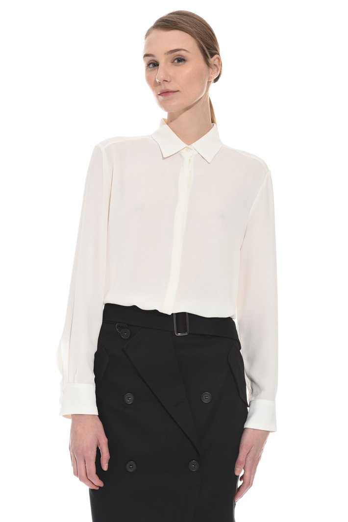 Textured crepe fabric shirt Intrend