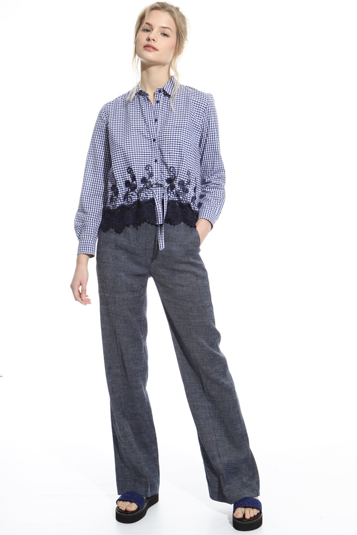 Embroidered hem shirt Intrend