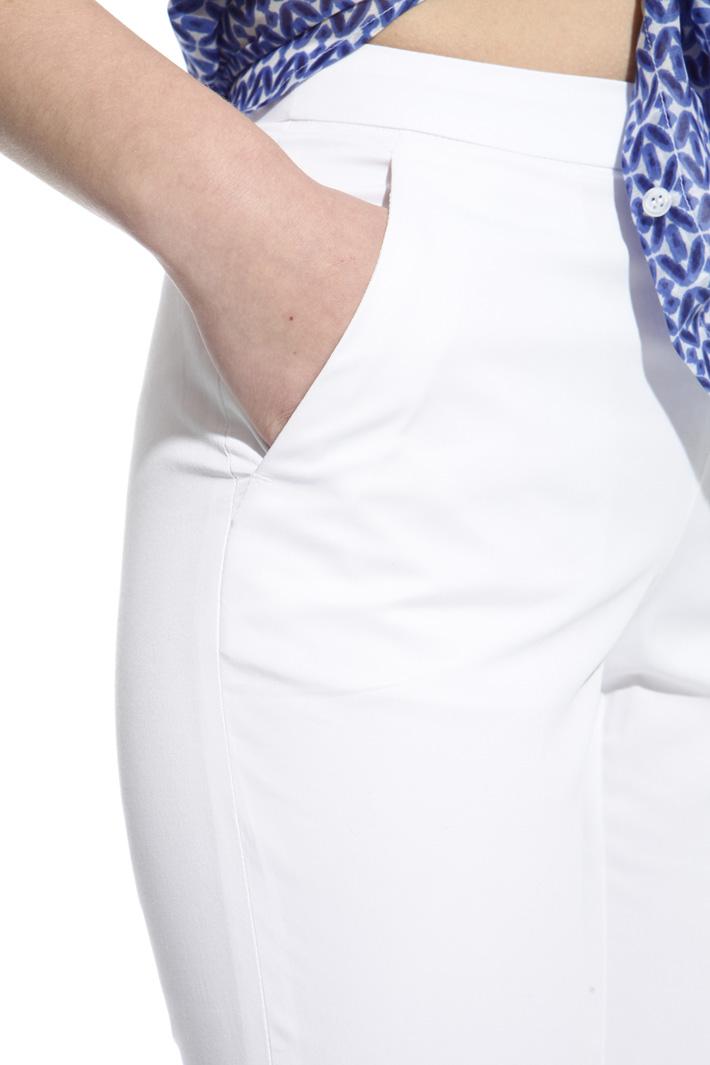Gabardine capri trousers Intrend