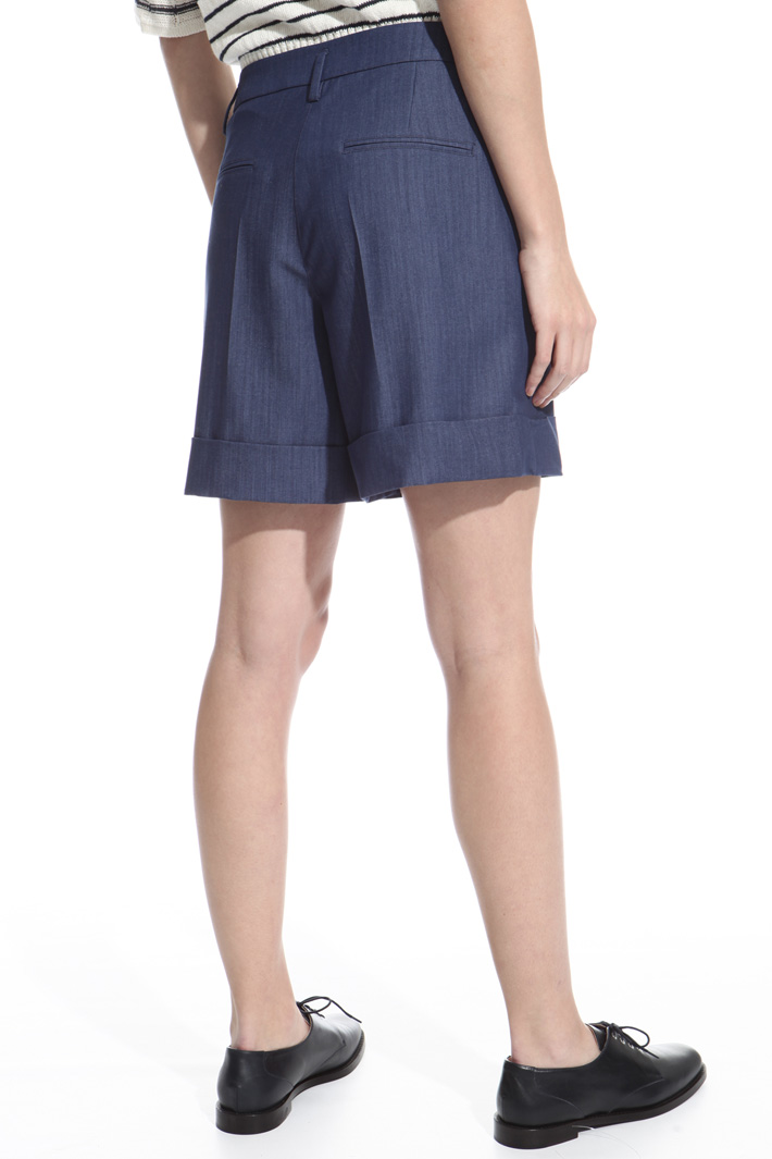 Stretch fabric shorts Intrend