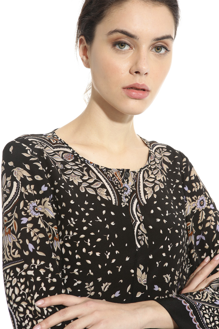 Blouse in pure printed silk  Intrend