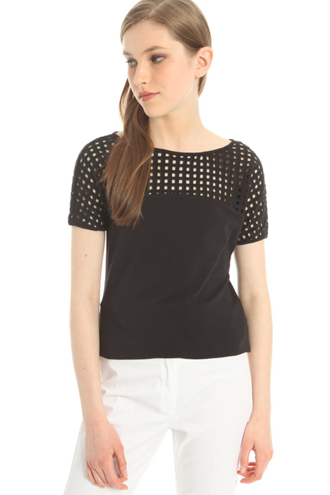 Perforated yoke T-shirt Intrend