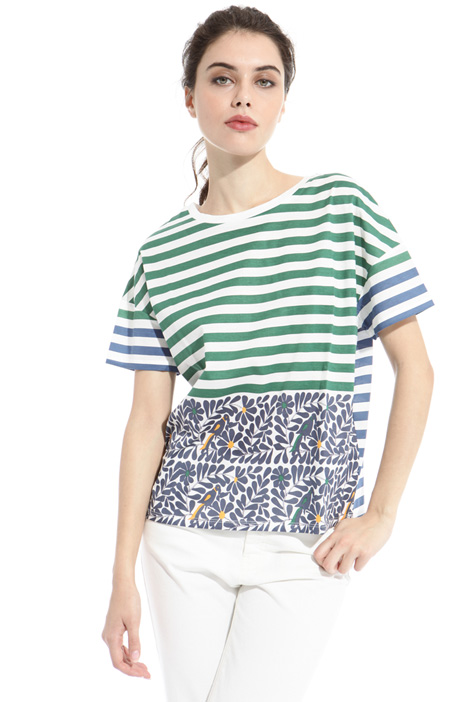 T-shirt boxy stampata Intrend