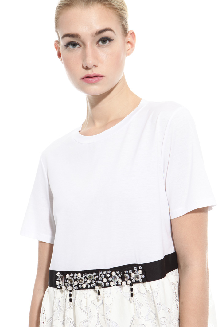 T-shirt con balza in pizzo Intrend