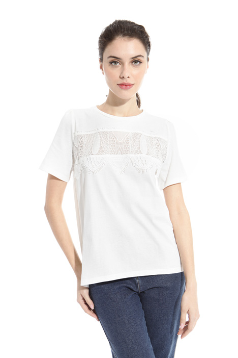 T-shirt con patch in pizzo Intrend