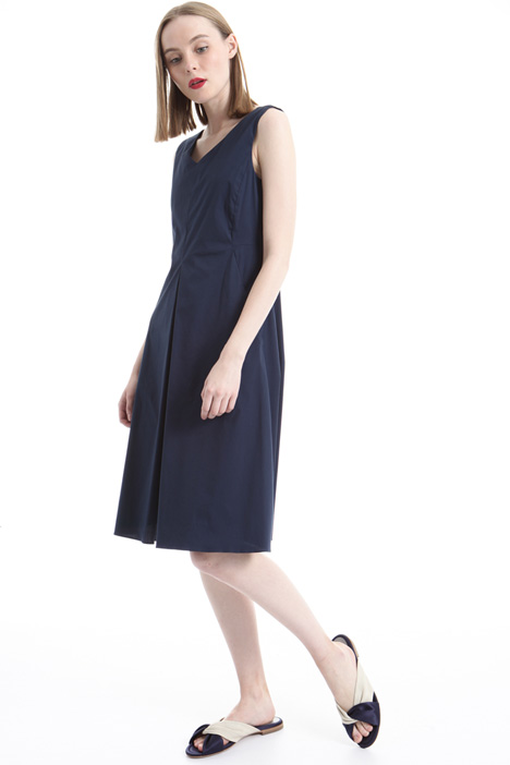 V-neck dress Intrend