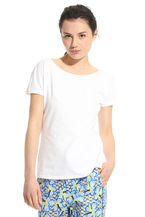 T-shirt con scollo ampio Intrend