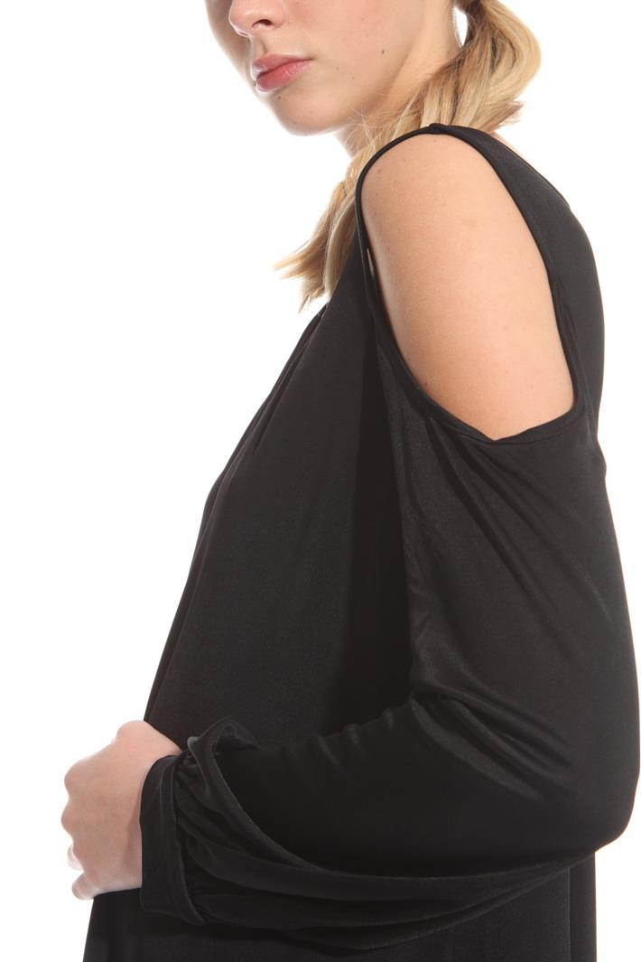 Cold shoulder top Intrend