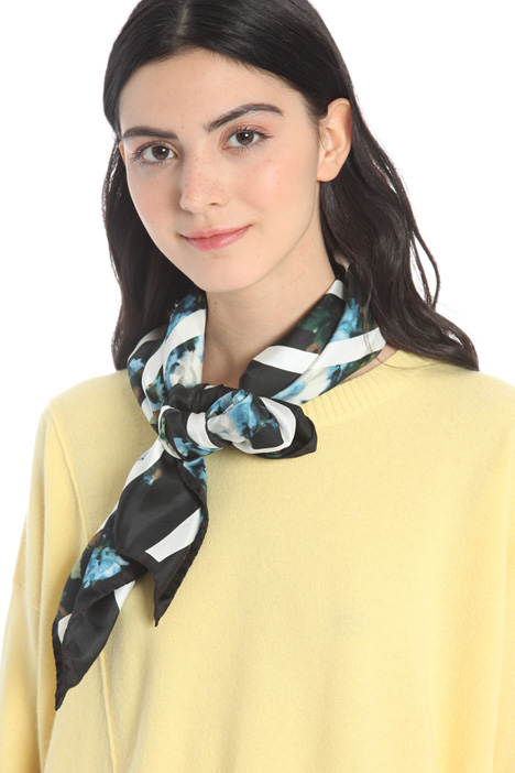 Printed twill scarf Intrend