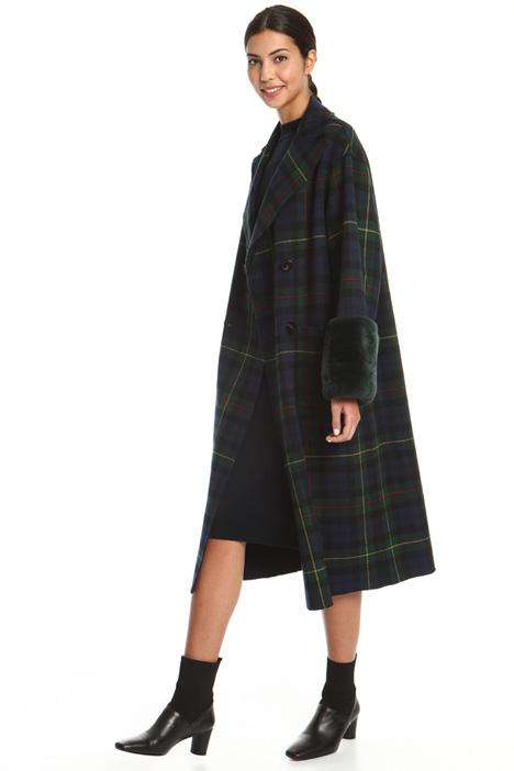 Cappotto con polsi pelliccia Intrend