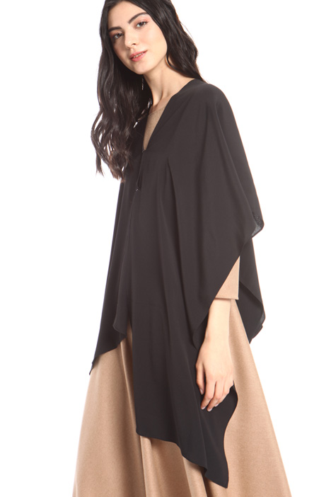 Elegant silk blend cape Intrend