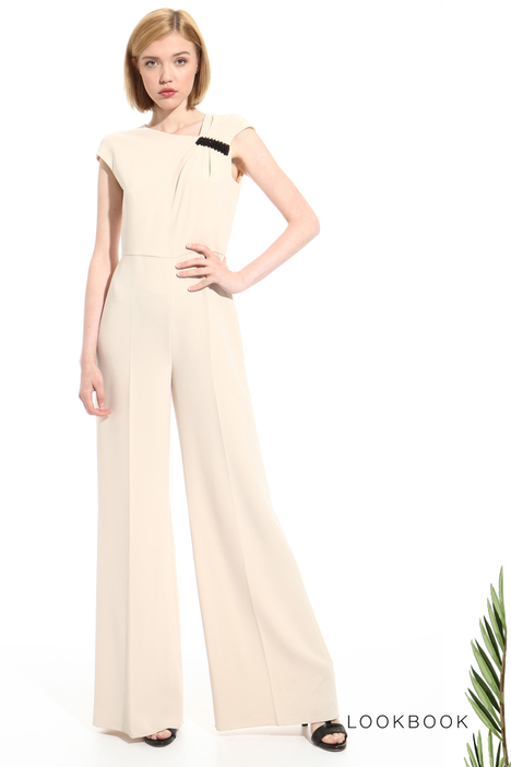 Asymmetrical neckline jumpsuit Intrend