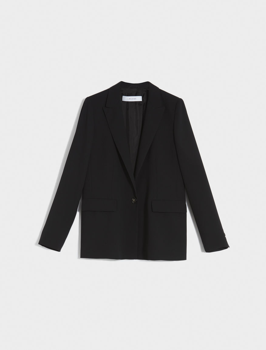 Semi-fitted blazer