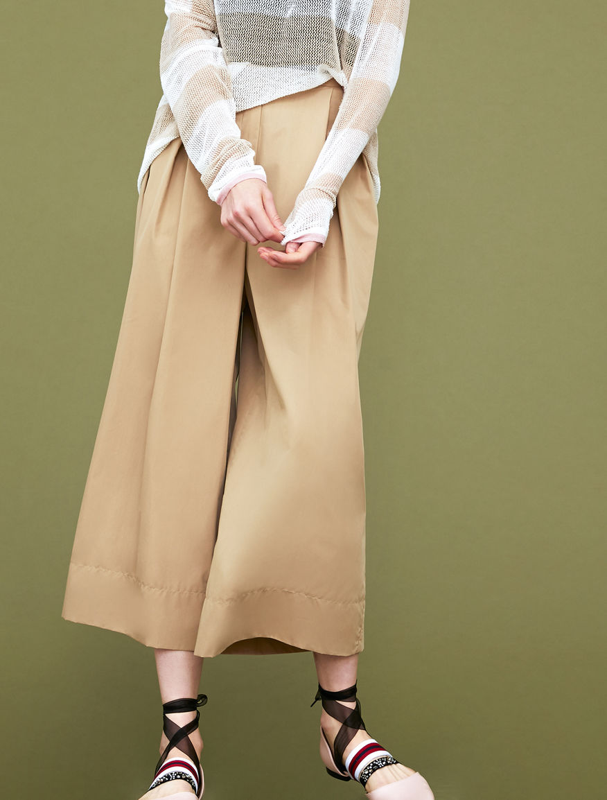 Oversized trousers